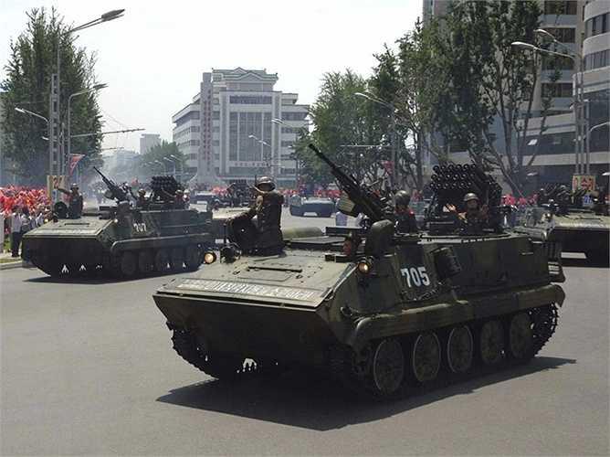 Ngoài ra, Triều Tiên còn sở hữu khá nhiều xe bọc thép phục vụ chiến đấu