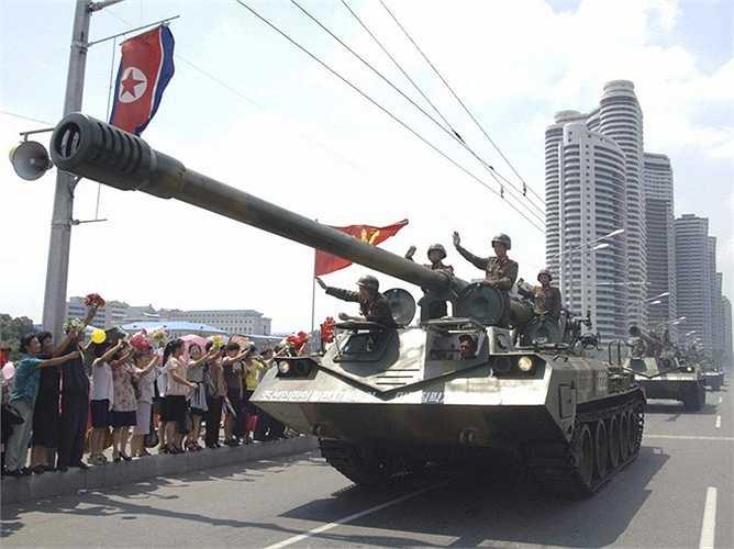 Một trong những vũ khí lợi hại nhất của Triều Tiên là pháo Koksan loại 170mm