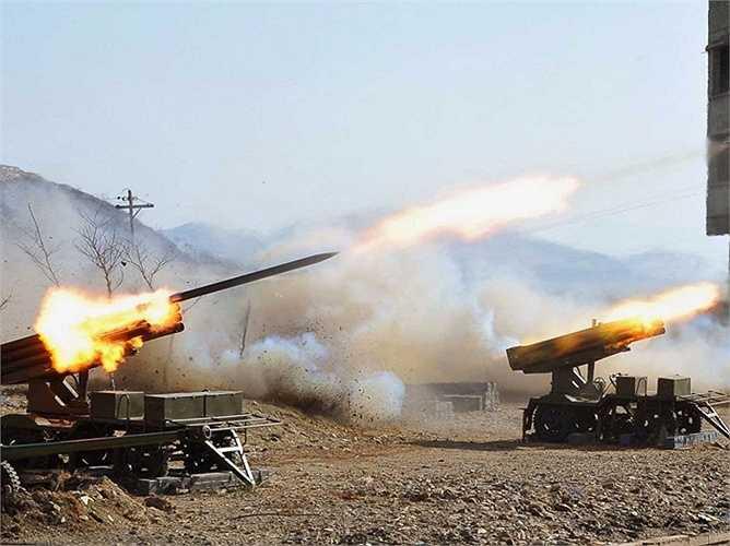 Hay bệ phóng tên lửa loại 240mm này có thể tấn công các lực lượng ngoại xâm bất cứ lúc nào
