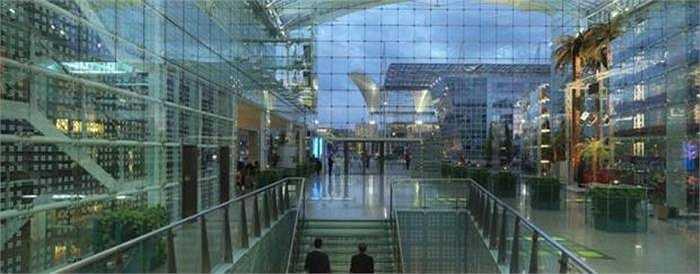 Khách sạn sân bay tốt nhất châu Âu Hilton Munich. Điểm đặc biệt là khách sạn này mới mở cửa hồi tháng 1 nhưng đã đứng thứ 3 thế giới và số 1 tại châu Âu