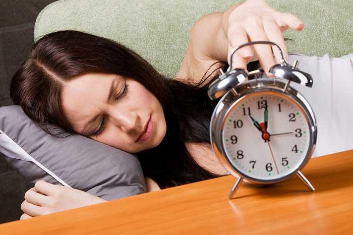Thiếu ngủ: Trong một nghiên cứu gần đây, các nhà nghiên cứu đã phân tích nhật ký ngày thường của 500 người và phát hiện ra rằng, thiếu ngủ 30 phút làm tăng nguy cơ béo phì lên 17%.