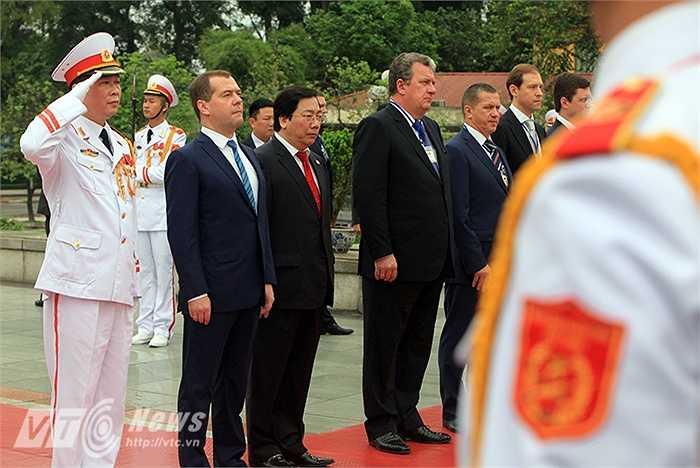 Đoàn đại biểu Nga do Thủ tướng Medvedev dẫn đầu (Ảnh: Việt Linh)