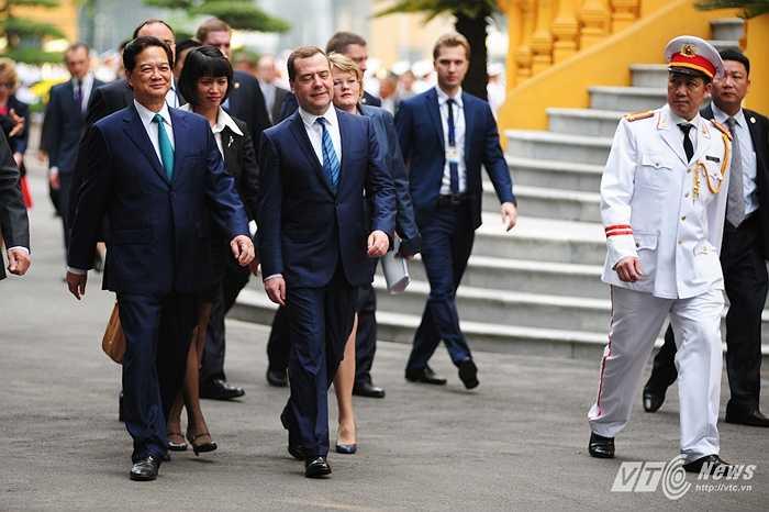 Hai Thủ tướng di chuyển sang Văn phòng Chính phủ