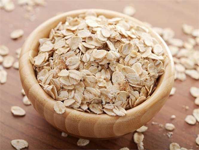Yến mạch: Ăn mỗi ngày ít nhất 3 gam beta-glucan trong yến mạch, lúa mạch giúp giảm cholesterol.