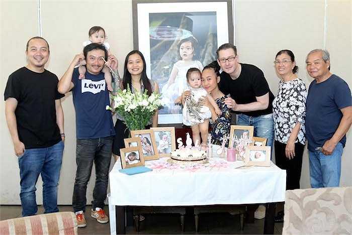 Đoan Trang chia sẻ, có lẽ cô bé sau này cũng muốn con gái đi theo con đường nghệ thuật giống mẹ.