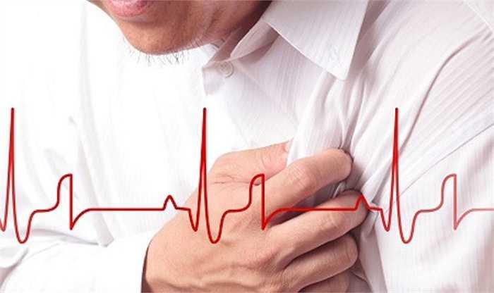 4. Bệnh tim: Thiếu ngủ làm tăng nguy cơ phát triển bệnh tim mạch. Nhịp đập của tim, tạo ra các hormone căng thẳng và huyết áp cao là một nguyên nhân dẫn đến phát triển bệnh tim.