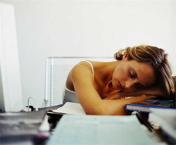 7. Thờ ơ với bạn đời - những người thiếu ngủ thường mắc chứng mệt mỏi kinh niên có xu hướng ít quan tâm đến sex.