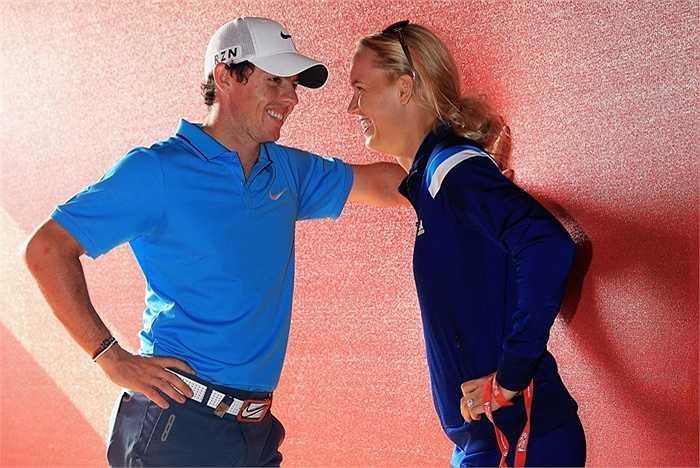 Một số tờ báo từng cho biết Rory có quan hệ tình cảm với tay vợt Caroline Wozniacki.