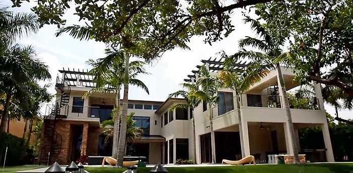 Rory cũng không ngại chi tiền khi bỏ ra 9,5 triệu USD mua một căn nhà ở Florida hồi năm 2012