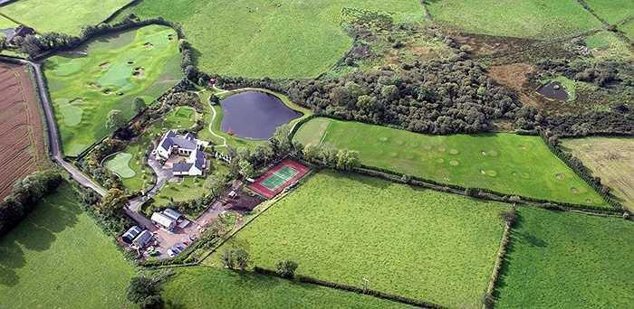 Một ngôi nhà của tay golf này ở khu vực Bắc Ireland đang được cho thuê  với giá 21.000 USD/tuần