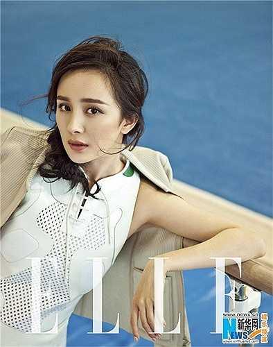 5. Dương Mịch là nữ diễn viên người Trung Quốc được biết đến qua các vai diễn như Quách Tương trong Thần điêu đại hiệp, Vương Chiêu Quân trong Vương Chiêu Quân, Lạc Tình Xuyên trong Cung tỏa tâm ngọc.