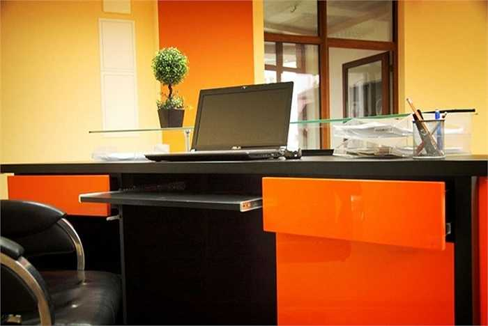 Đây là một sản phẩm của nhà sản xuất Design Epicentrum, công ty tọa lạc ở Poznan, Ba Lan.