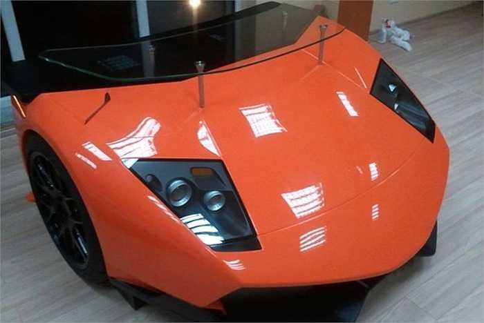 Tuy nhiên, phàm cái gì có dính đến hai chữ siêu xe thì chắn chắn sẽ không hề rẻ. Phiên bản có mặt kính đi kèm giá tiền lên tới 15.800 USD.