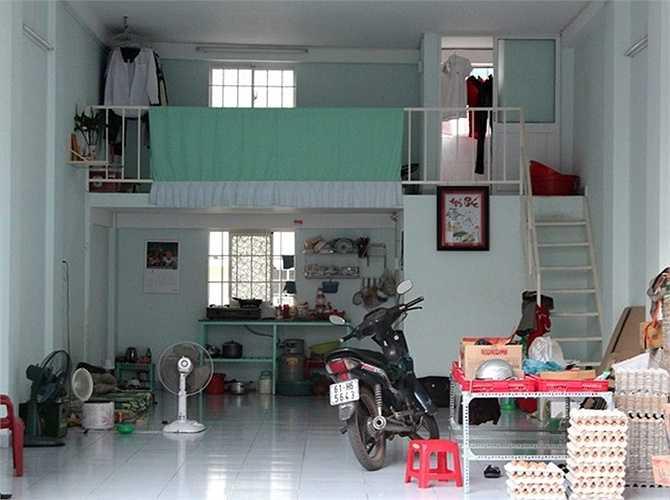 Căn hộ 30 m2 được thiết kế gọn gàng, đơn giản, gồm một phòng sinh hoạt chung, nhà vệ sinh, gác lửng.