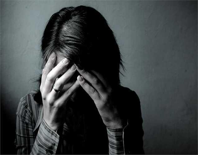 Phiền muộn: Tình dục có thể làm giảm bớt lo lắng, nhưng một nghiên cứu ở Úc năm 2011 chỉ ra rằng 1/3 phụ nữ bị trầm cảm sau khi kết thúc hoạt động tình dục, gần 10% phụ nữ cảm thấy buồn, có tội, bị kích thích thần kinh sau khi họ đạt cực khoái do kích thích tố thay đổi.