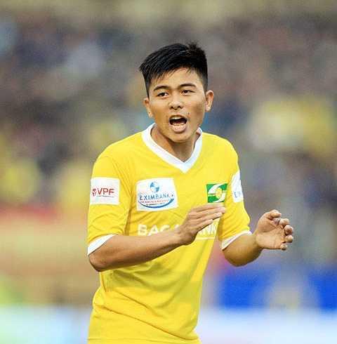 Trung vệ: Phạm Mạnh Hùng, sinh năm 1993, cao 1m76. Ngoài vị trí sở trường, Mạnh Hùng còn nổi bật với vai trò hậu vệ cánh trái cùng khả năng sút phạt rất tốt.