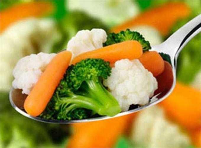 Nấu chín thức ăn với nhiệt độ thích hợp: các thức ăn cần được nấu chín để loại trừ nguy cơ bị ngộ độc. Đối với các thức ăn như rau sống cần phải rửa thật kỹ 2-3 lần trước khi ăn.