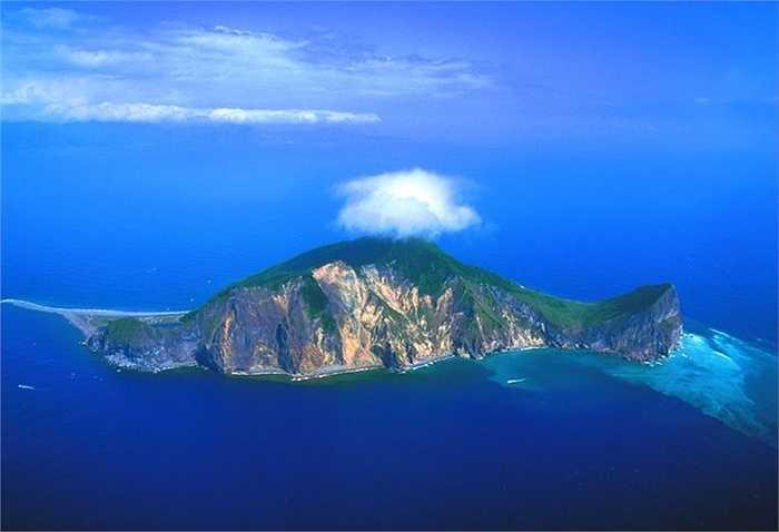 Đào hình rùa, Đài Loan: Tên gọi của đảo rùa này là Guishan, đây thực chất là một ngọn núi lửa đang hoạt động, nó cũng là hòn đảo lớn nhất có người ở quận Yilan
