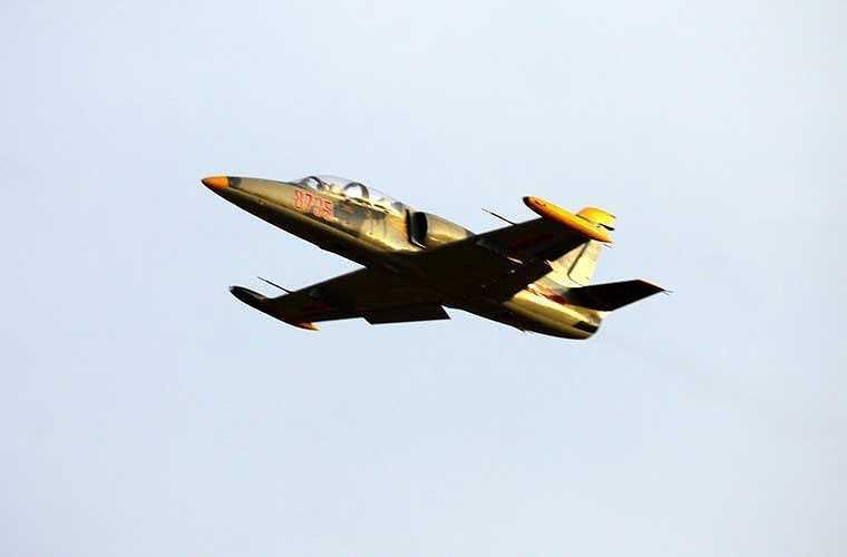 L-39 là máy bay huấn luyện chiến đấu phản lực huyền thoại do công ty Aero Vodochody (Tiệp Khắc, nay thuộc Cộng hòa Czech) sản xuất từ đầu những năm 1970. Hơn 2.800 chiếc L-39 được xuất khẩu tới 30 quốc gia trên thế giới, trong đó có Việt Nam. L-39 được thiết kế cho vai trò huấn luyện sơ cấp - cao cấp cho phi công quân sự.