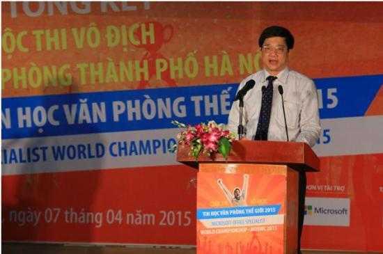 Ông Phạm Xuân Tiến – Phó Giám đốc Sở Giáo dục và Đào tạo Hà Nội chủ trì và phát biểu khai mạc Lễ Tổng kết