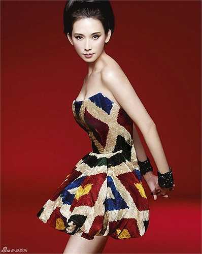 Không chỉ là chân dài hàng đầu xứ Đài, cô còn chứng tỏ tài năng của mình khi lấn sân sang điện ảnh.