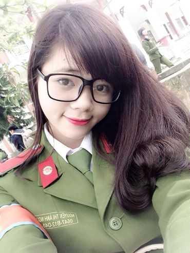 Nữ sinh cảnh sát
