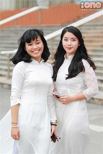 Ai cũng muốn mình thật xinh đẹp, đáng yêu trong tà áo dài trắng tinh khôi.
