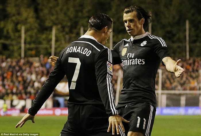 Hiện Ronaldo đang đứng thứ 3 trong danh sách những người ghi nhiều bàn nhất cho Real Madrid, kém người liền trước - huyền thoại Di Stefano - đúng 8 bàn