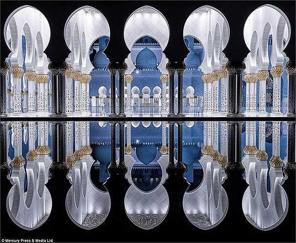 Chiêm ngưỡng lối kiến trúc nghệ thuật tiêu biểu, và đắm mình trong bầu không khí linh thiêng của thế giới đạo Hồi