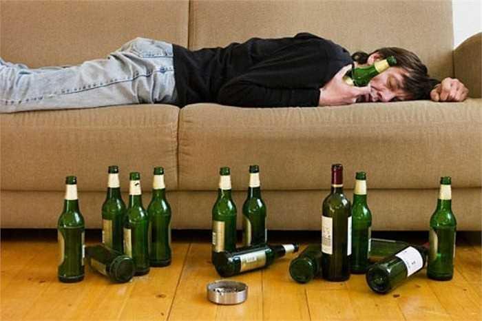Việc sử dụng đồ uống có cồn hàng năm gây ra cái chết của 3.5% các trường hợp bệnh nhân ung thư.