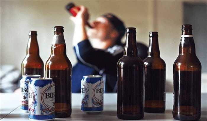 Acetaldehyde - Gốc tự do - chất chuyển hóa từ cồn trong cơ thể của người sử dụng rượu, bia - làm tổn thương ADN trong  tế bào.