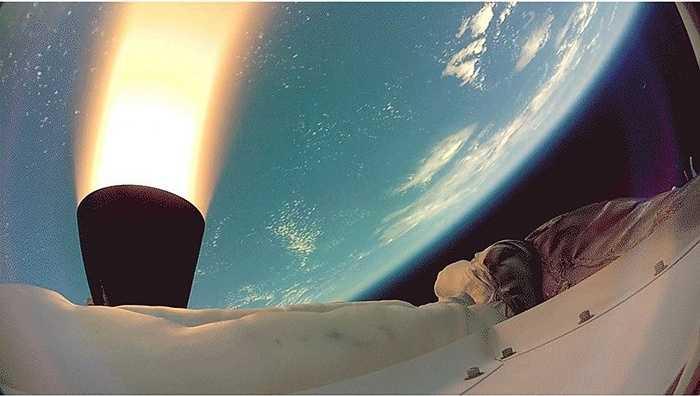 Với khoảng cách 120.000m so với bề mặt, bức ảnh này được chụp bằng máy ảnh trên khí cầu LDSD.