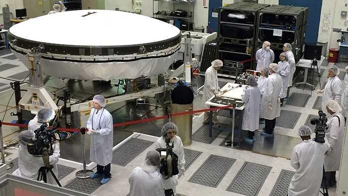 Đĩa bay khổng lồ của Cơ quan Hàng không và Vũ trụ Mỹ (NASA) là phát minh mang tính đột phá. Nó thực chất là sự kết hợp giữa khinh khí cầu và đĩa bay.