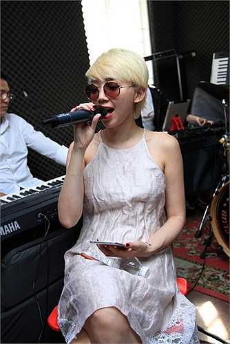 Vị khách mời thứ 3 trong liveshow Sol vàng của nam ca sỹ Nguyễn Hưng lần này cũng đã được hé lộ.