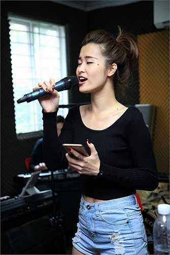 Cô cũng có mặt để luyện tập đem lại những phần kết hợp hoàn hảo nhất cho khán giả