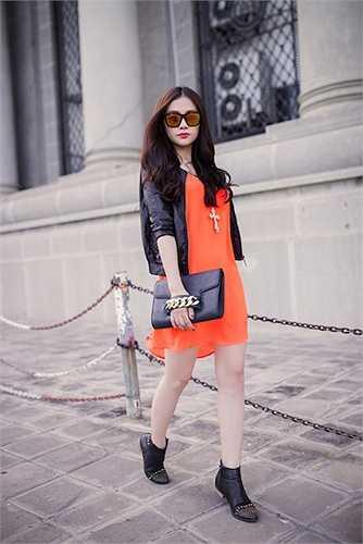 Không chỉ có gương mặt hoàn hảo mà Thu Thủy còn có phong cách thời trang ấn tượng và sành điệu.