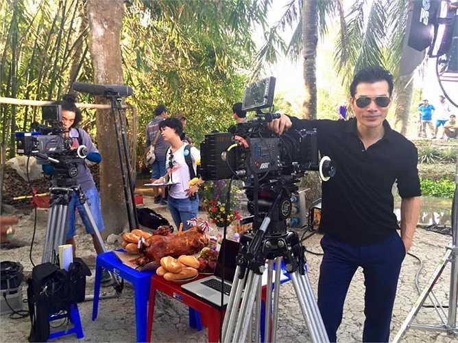 Trần Bảo Sơn trên trường quay thực hiện bộ phim mới.