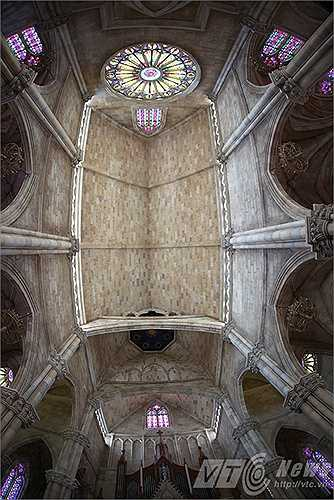 Kiến trúc trần mê hoặc
