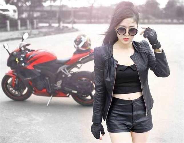 Phạm Thanh Tâm khoe vẻ đẹp 'bụi bặm' nhưng vô cùng quyến rũ