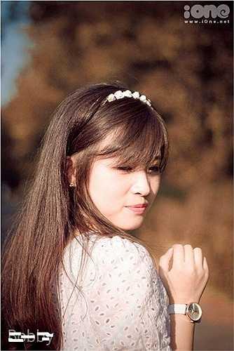 Sở hữu vẻ ngoài xinh xắn, khuôn mặt bầu bĩnh, dễ thương, cô giáo tương lai Lê Nguyễn Thanh Hà khiến nhiều teen boy ngẩn ngơ.