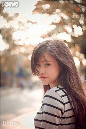 Không chỉ xinh đẹp, Thanh Hà còn có thành tích học tập 12 năm đạt loại giỏi, giải khuyến khích thành phố môn Lịch sử.