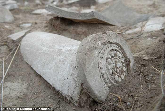 Những cổ vật còn sót lại, tất cả chỉ còn đổ nát. Từ những năm 1950-1960, các nhà khoa học đã khai quật nhưng chưa biết được công trình này được xây dựng với mục đích gì