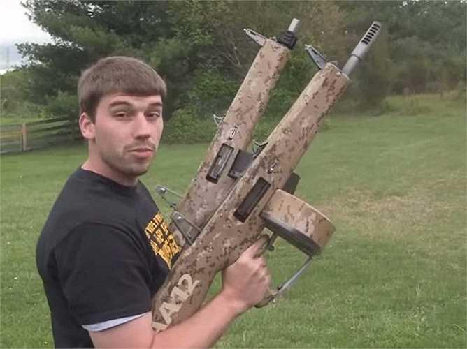 13. Súng săn AA12 Atchisson là loại súng có khả năng bắn 300 vòng/ phút và có độ giật ít hơn nhiều so với các loại súng săn khác
