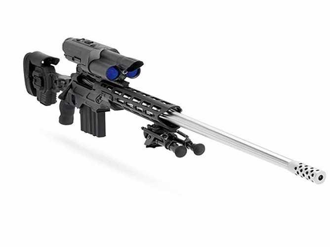 5. Bolt-Action .338 TP. Vũ khí này được trang bị công nghệ TrackingPoint - nhận diện mục tiêu, tính toán khoảng cách và điều chỉnh hướng bắn phù hợp. Giá của một khẩu là khoảng 50.000 USD