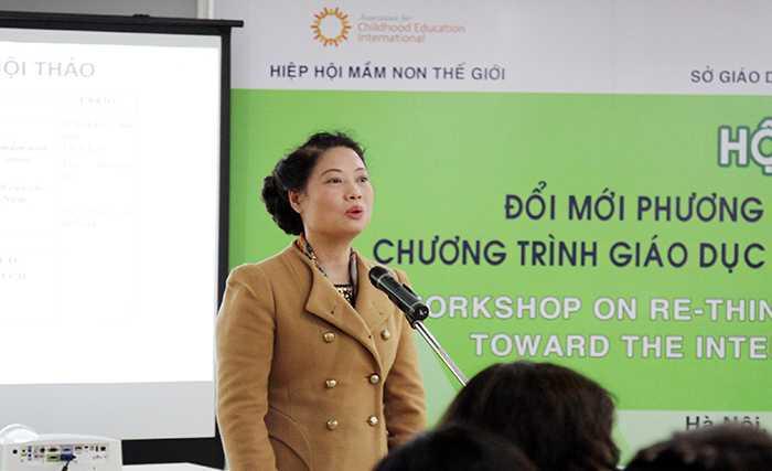 Phó Giám đốc Sở GD-ĐT Hà Nội Phạm Thị Hồng Nga phát biểu tại hội thảo