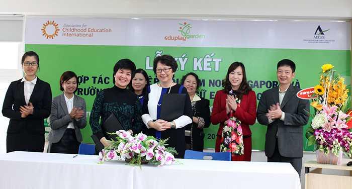Lễ ký kết hợp tác giữa Hiệp hội mầm non Singapore (AECES) và công ty Vietedutech