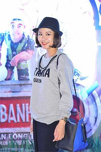 Hot girl đời đầu của Hà Thành vẫn giữ cho mình sự trẻ trung, xinh đẹp.