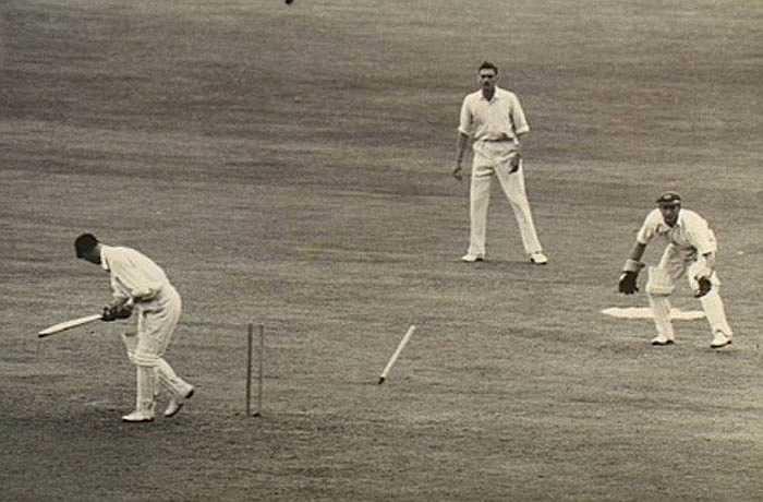 Trong môn bóng chày của Úc, 87 được gọi là 'số của quỷ bóng chày'. Người ta tin rằng vận động viên bóng chày đặc biệt có khả năng tấn công sau khi đã ghi được nhiều điểm.
