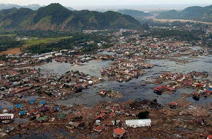 Số 26 và 8 được cho là số không may mắn ở Ấn Độ liên quan tới các thảm họa thiên nhiên đều vào ngày 26 như trận động đất ở Gujarat xảy ra vào ngày 26-01-2001, sóng thần ở Ấn Độ Dương, giết chết 230.000 người trên thế giới, diễn ra vào ngày 26-12-2004, nổ bom phát nổ tại Guwahati vào 26-05-2007, khủng bố Mumbai cũng vào ngày 26-11.