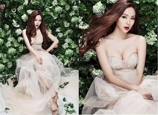 Ngay cả khi hóa thân thành công chúa yêu kiều thì Minh Hằng vẫn không quên kiểu đầm này.